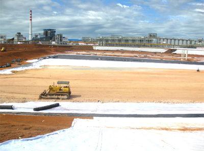 Trường Phát thi công chống thấm bãi xỉ nhà máy nhiệt điện Nghi Sơn 1